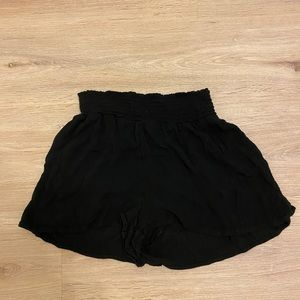 URBAN OUTFITTERS FLOWY SHORTS *SO CUTE*